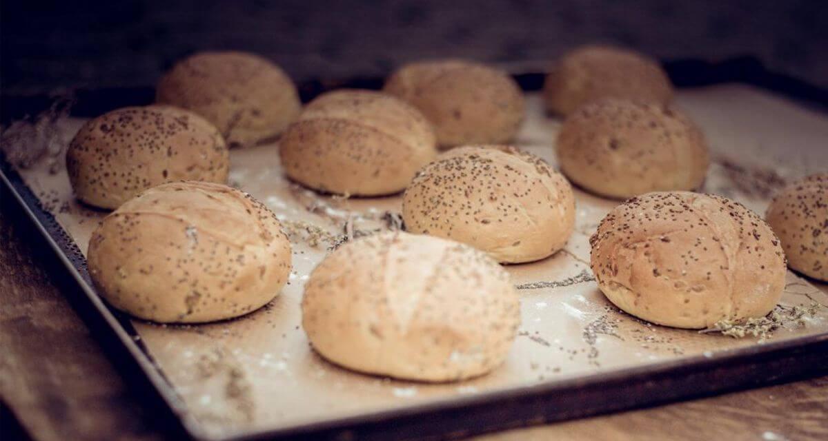 Burger Brötchen Brioche Buns handgemacht aus lokaler backstube nachhaltig Foodtruck Catering