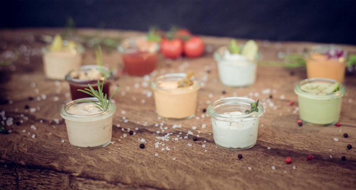 Pommes Saucen Pommessaucen Salsa selbstgemacht hausgemacht frische Zutaten keine Zusatzstoffe nachhaltig Foodtruck Catering